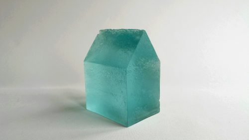 glass cast house | H19cm